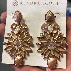 🆕 Kendra Scott Rose Gold Earrings